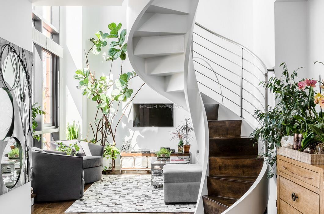 40平米小公寓室内旋转楼梯装修效果图片_装修123效果图