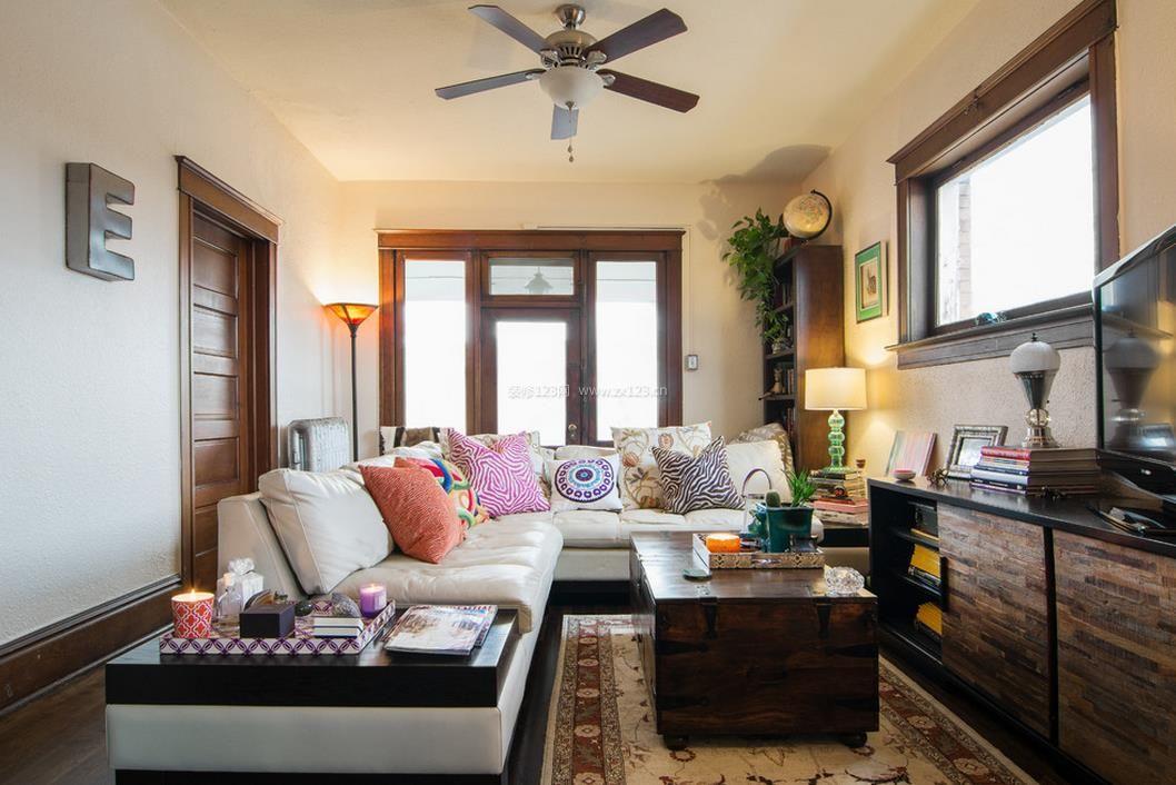 40平米小公寓客厅沙发摆放装修效果图片