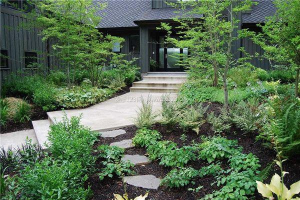 庭院装修根据设计的不同大致可以分为三种自然式庭院,西式庭院和