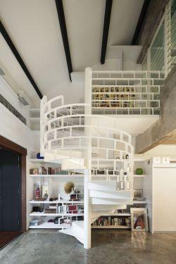 复式楼阁楼装修室内楼梯设计