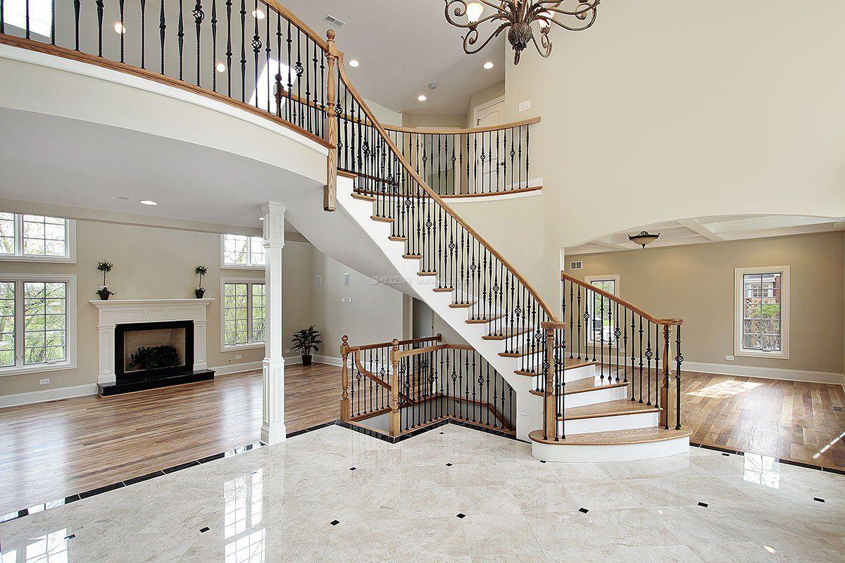 现代阁楼复式楼梯设计装修效果图