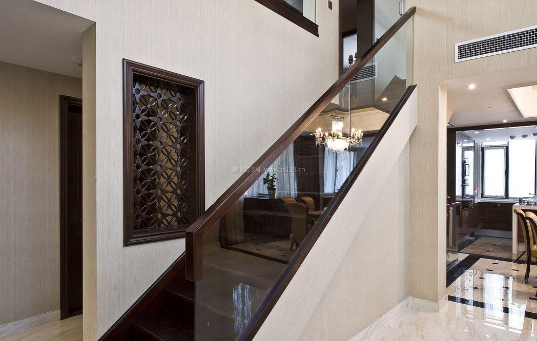 经典欧式室内玻璃楼梯扶手设计图片