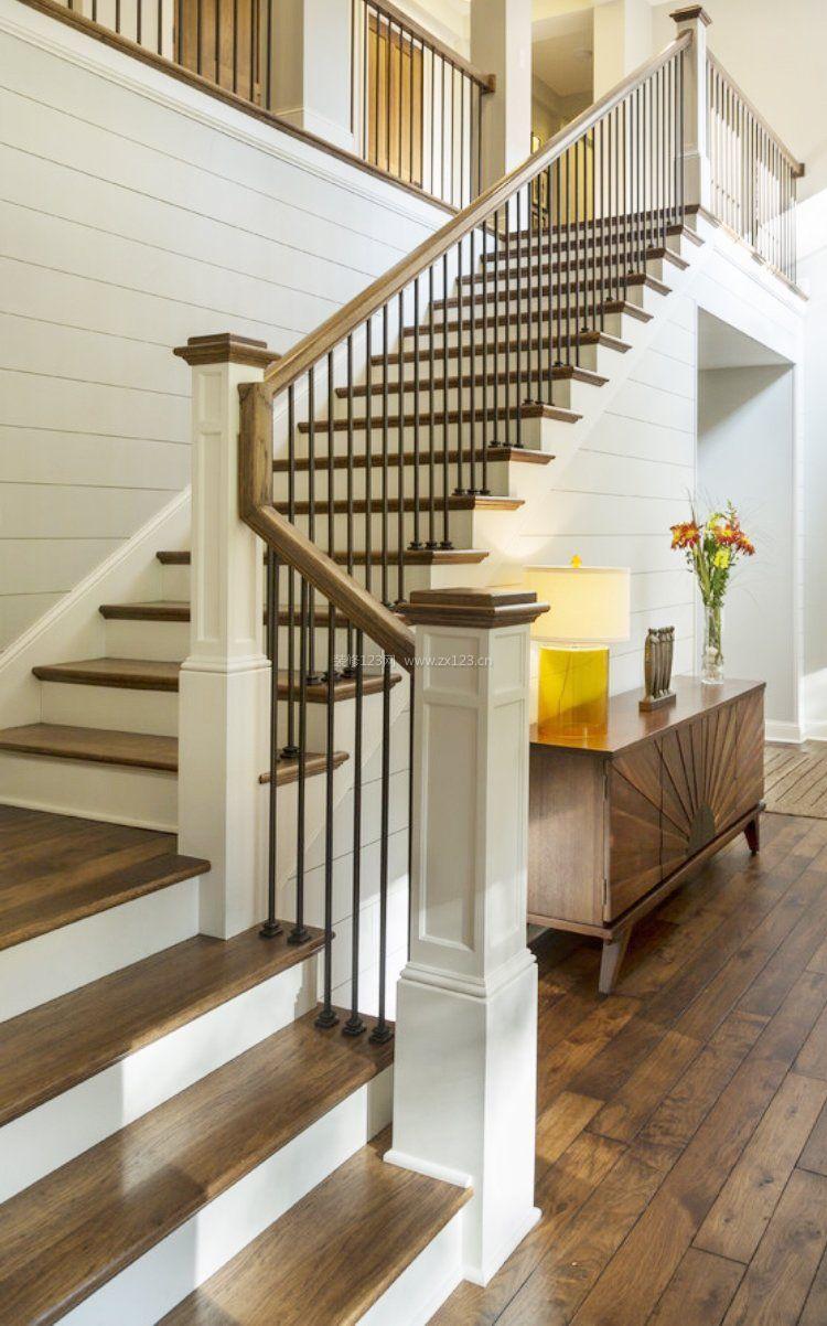 阁楼复式设计室内楼梯扶手装修效果图