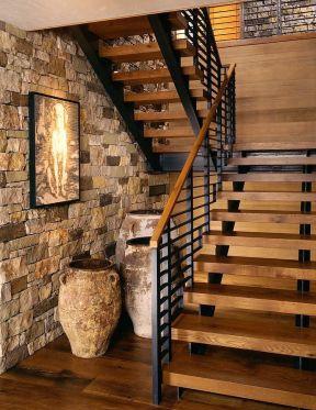 乡村二层别墅设计 实木楼梯装修效果图