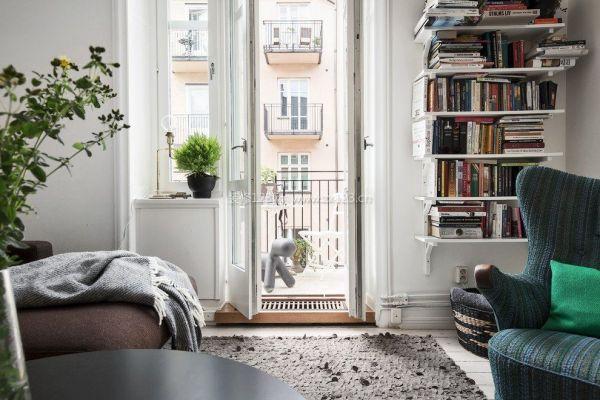 客厅带小阳台装修