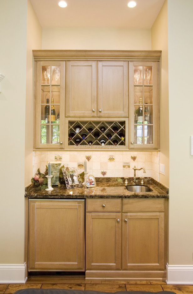 小厨房简约酒柜装修效果图大全