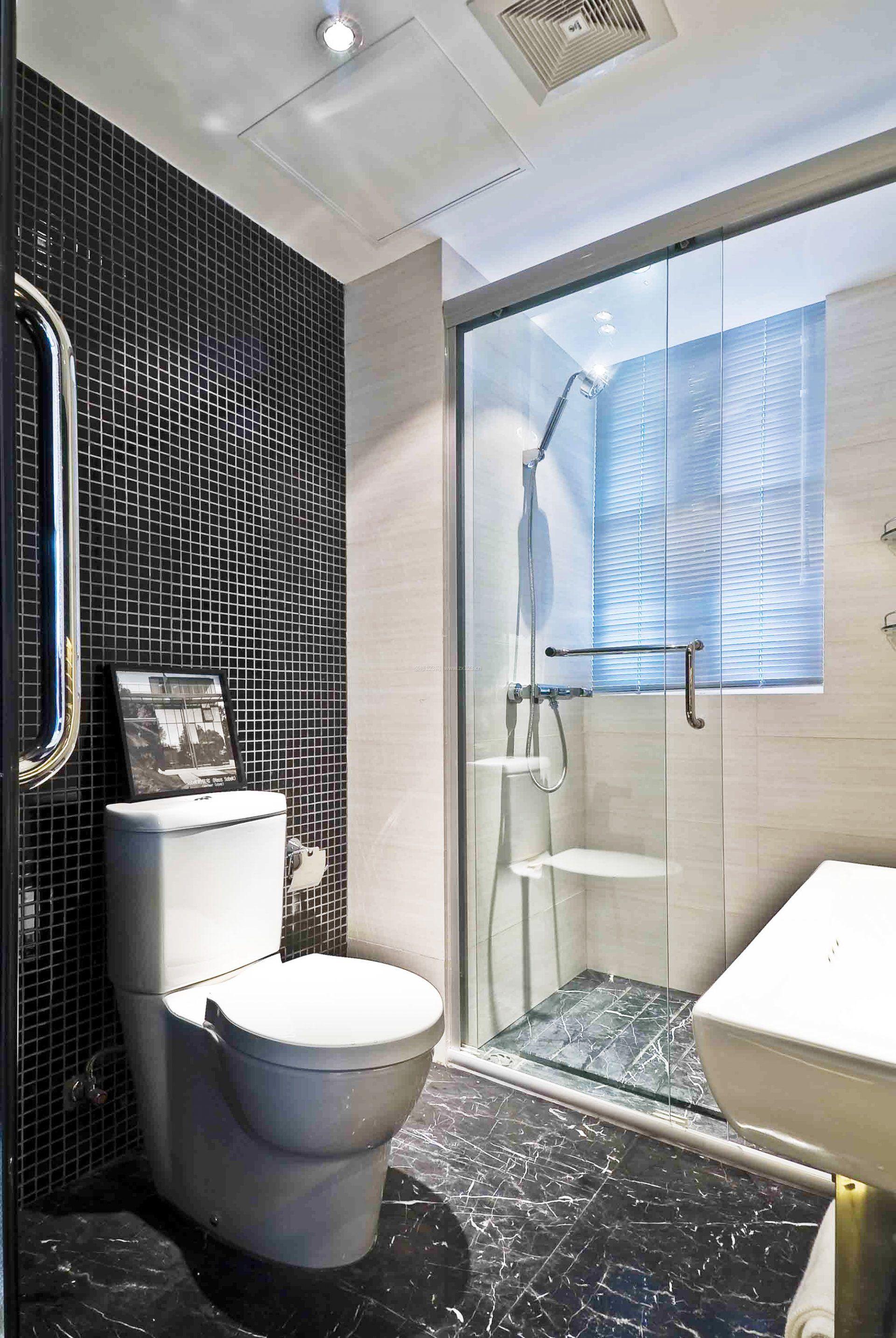 最新小户型卫生间瓷砖设计装修图片_装修123效果图