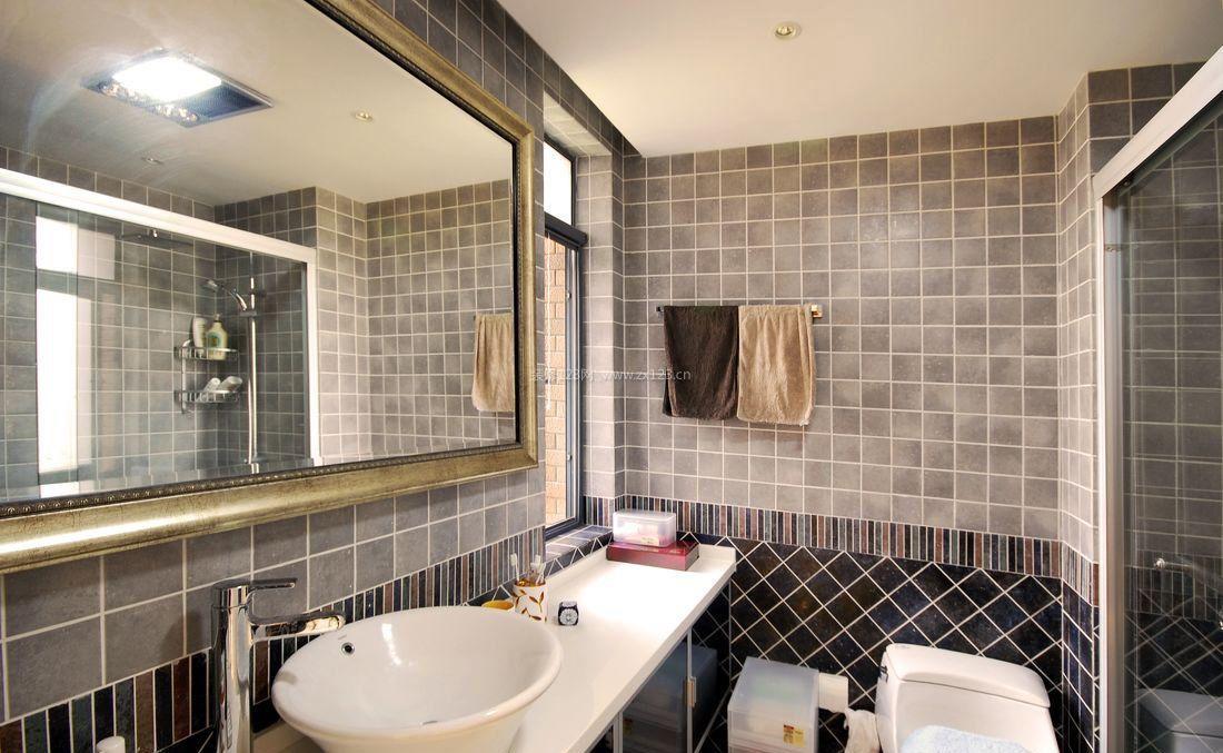 小户型室内卫生间瓷砖装修效果图