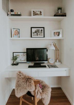 5平米小书房 办公室书柜电脑桌设计