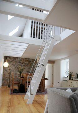 复式楼阁楼梯装修设计效果图