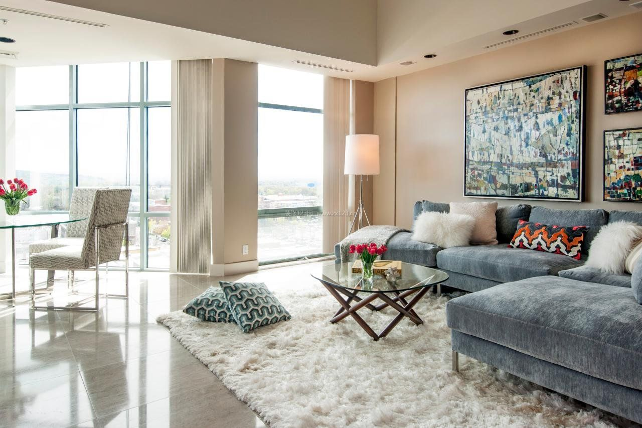 现代简约风格房屋客厅地毯图片