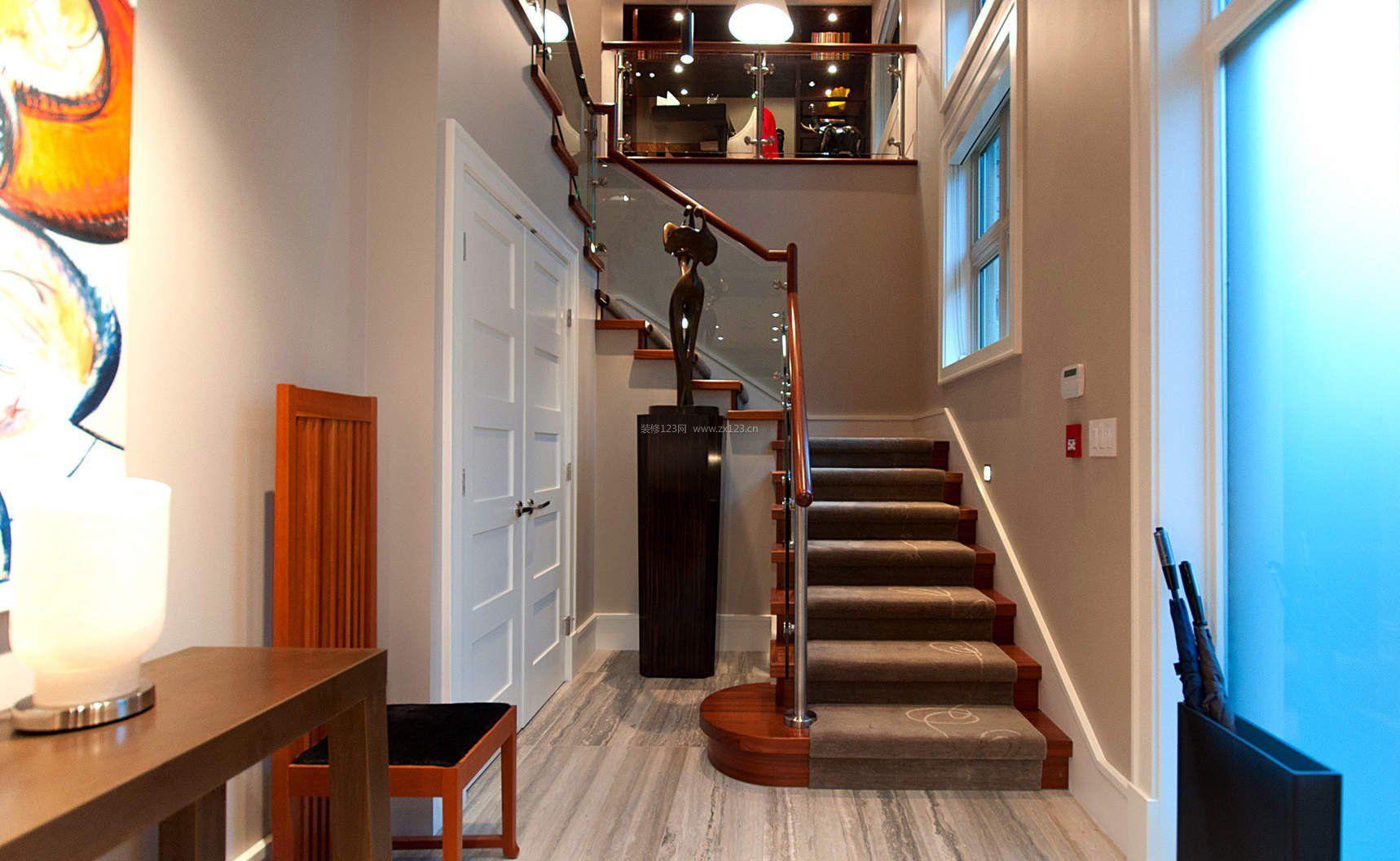 小型别墅楼梯设计图_装修123效果图