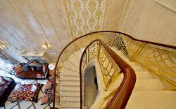 高檔別墅樓梯設計效果圖