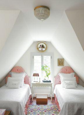 阁楼房间布置 小户型复式楼装修效果图图片