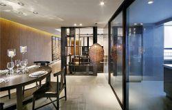 廚房與餐廳之間黑色隔斷門裝修效果圖片