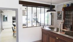 廚房與餐廳之間隔斷造型裝修效果圖