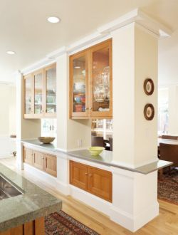 廚房與餐廳之間吊柜隔斷裝修效果圖片