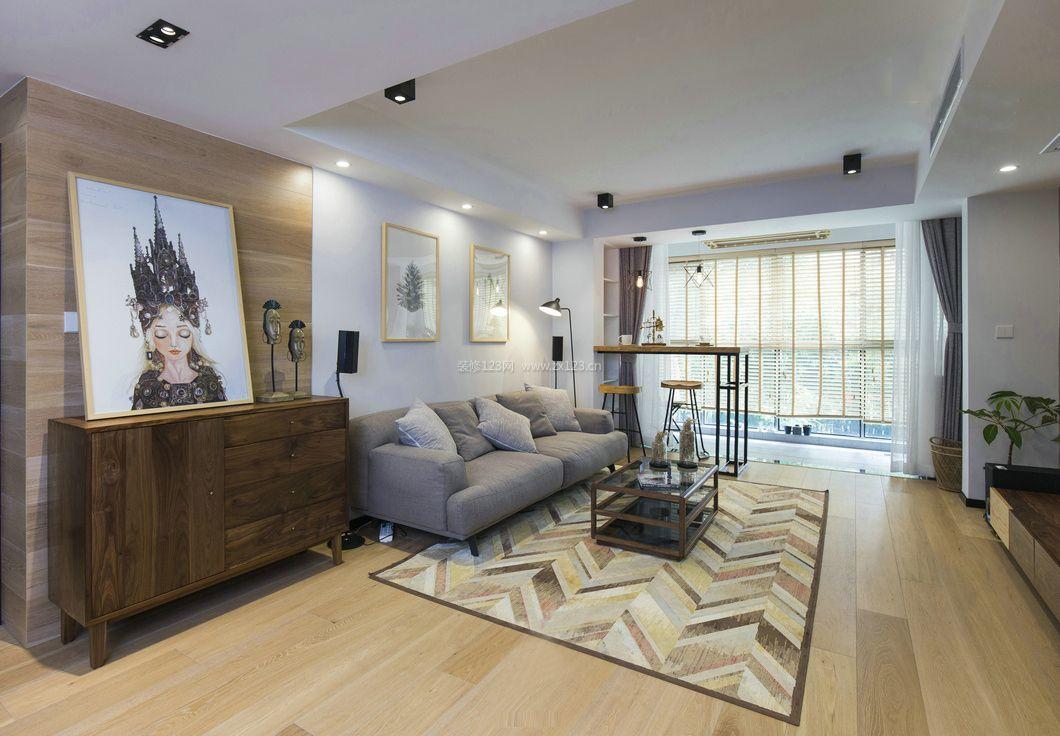 北欧原木风格客厅布艺沙发装修效果图片