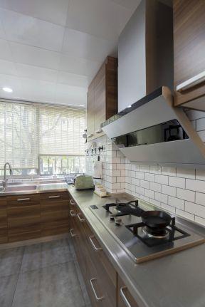北欧原木风格装修 厨房吊顶装修效果图
