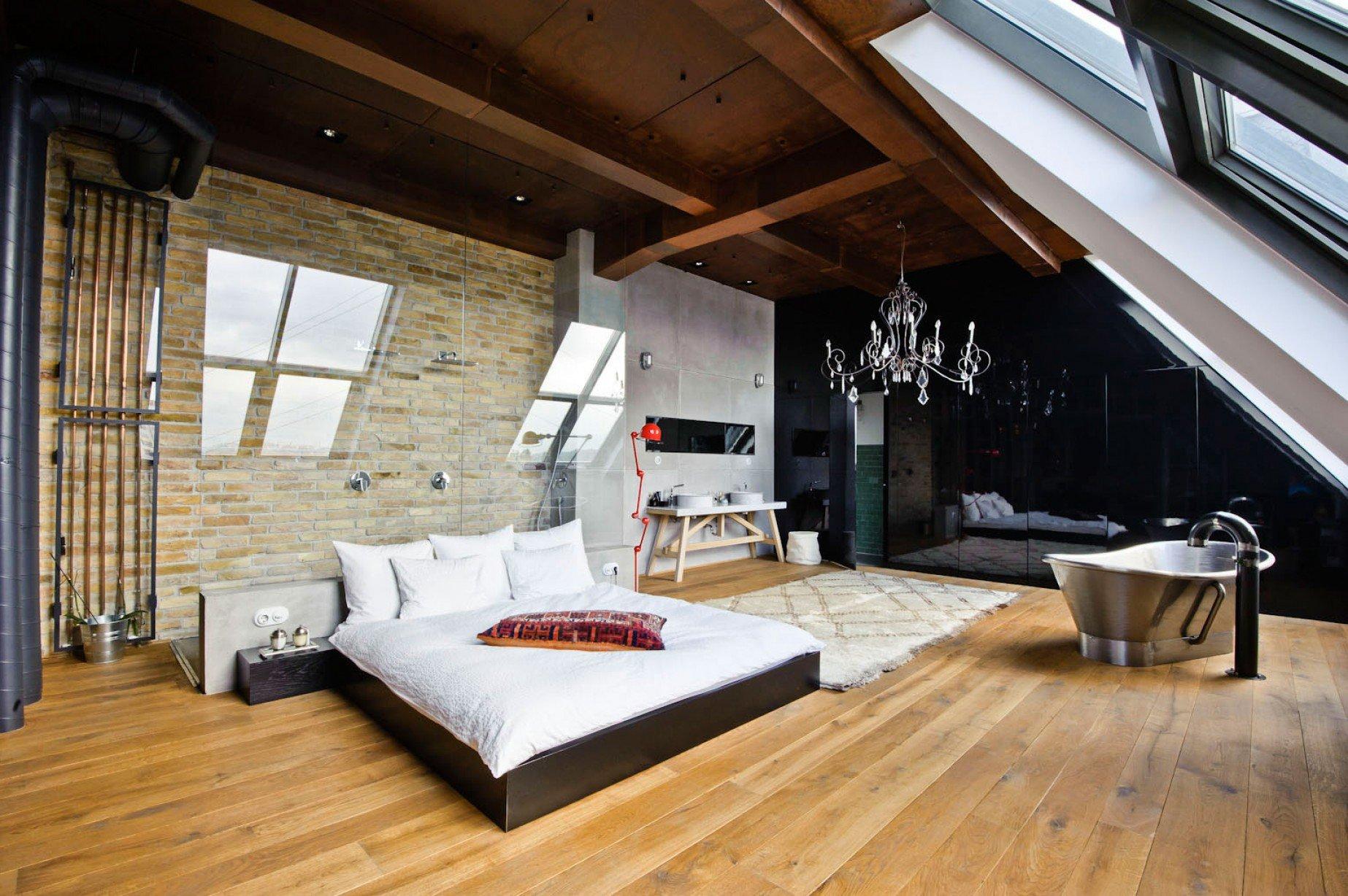 尖顶卧室顶楼加阁楼装修案例