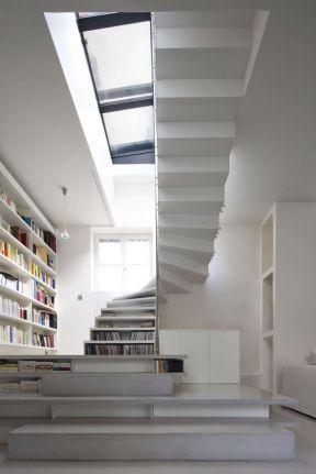 多層頂樓閣樓 樓梯設計圖