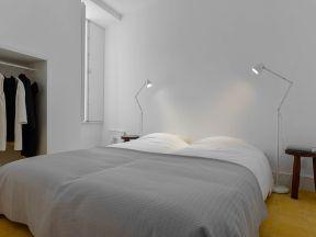 现代简约风格卧室 台灯装修效果图片
