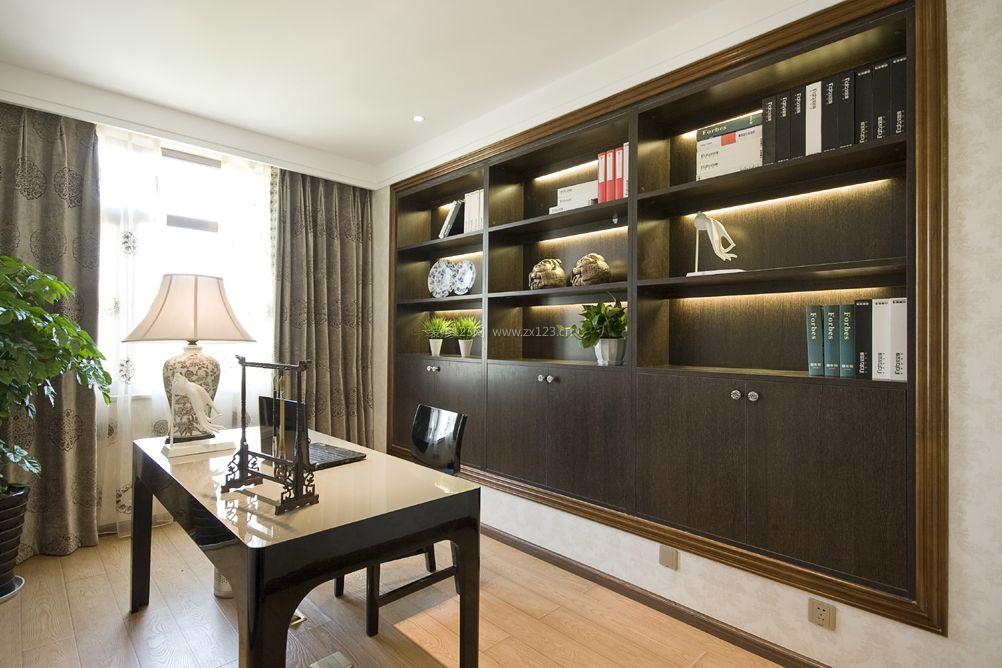 家装效果图 书房 家庭书房浅黄色木地板装修效果图片 提供者:   ←