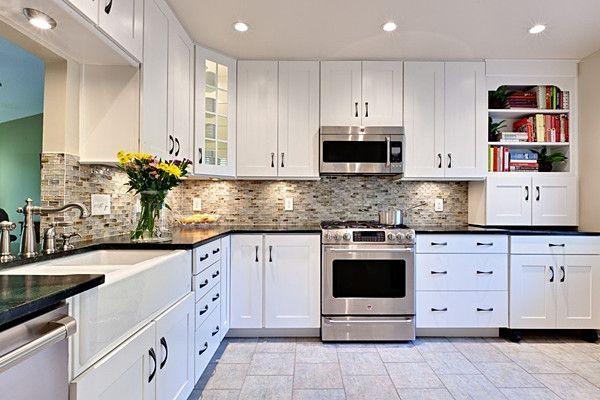 白色厨房装修设计