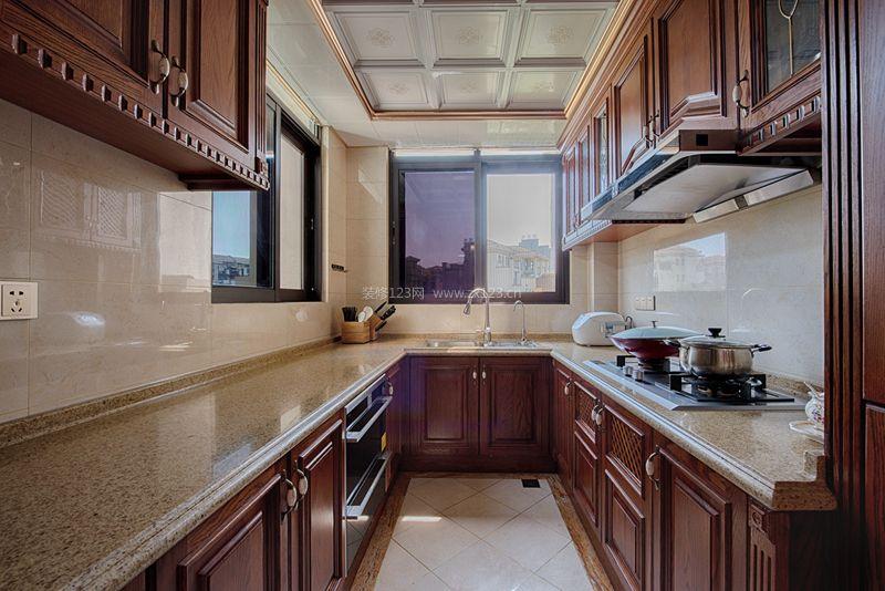 别墅欧式厨房集成吊顶装修效果图