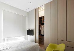 小平米卧室壁橱装修实景图欣赏