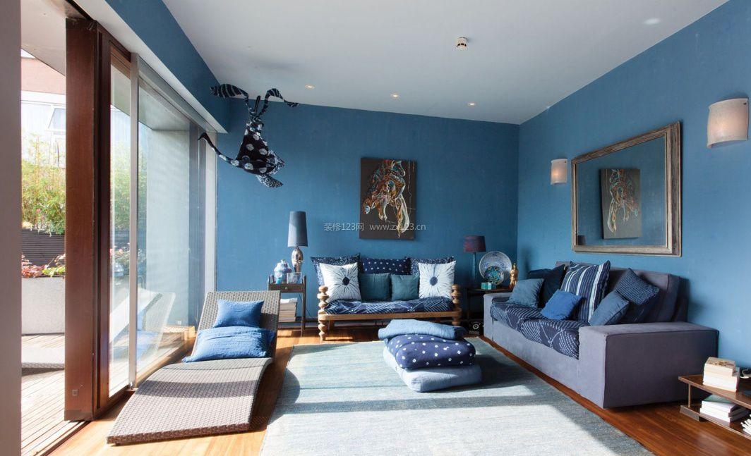 室内装修顶部黑色墙壁刷蓝色好看吗?求个满意答案 谢谢!