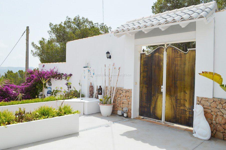 农村欧式小别墅围墙大门白色装修效果图