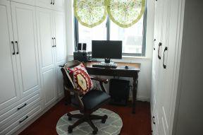 70平方房子設計圖 飄窗書桌