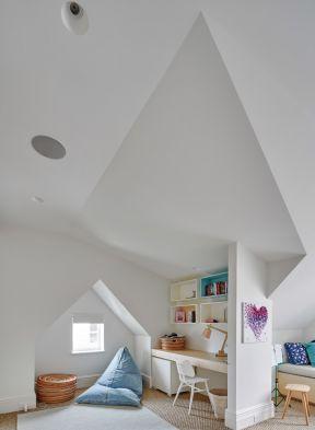 最新尖顶房屋装修效果图-两室两厅房屋装修效果图