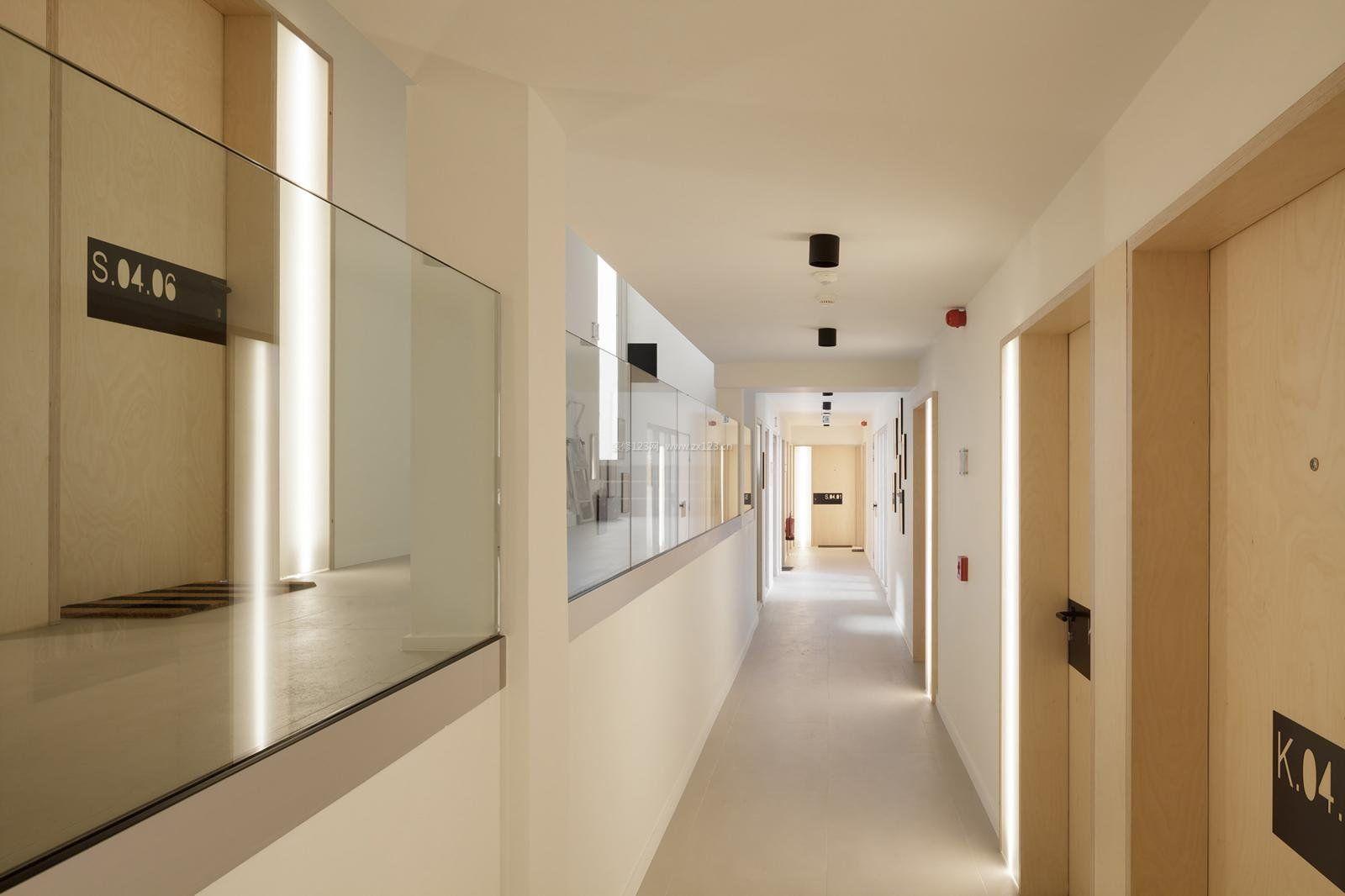 工装效果图 吊顶 医院装修之走廊过道吊顶效果图 提供者:   ←