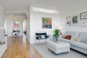 单身公寓客厅装修设计图片