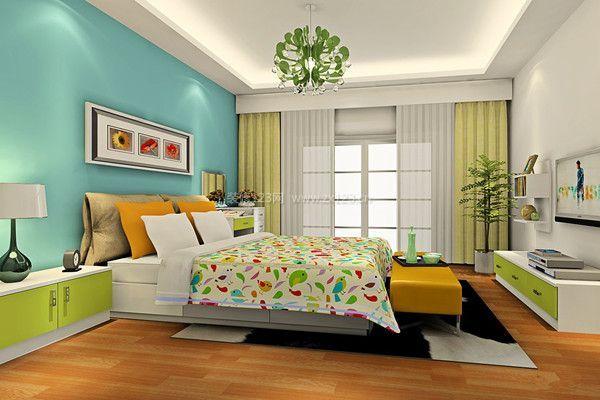 女生臥室設計小戶型
