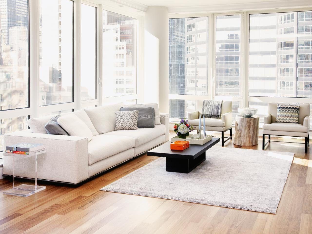 家装客厅浅色木地板装修效果图