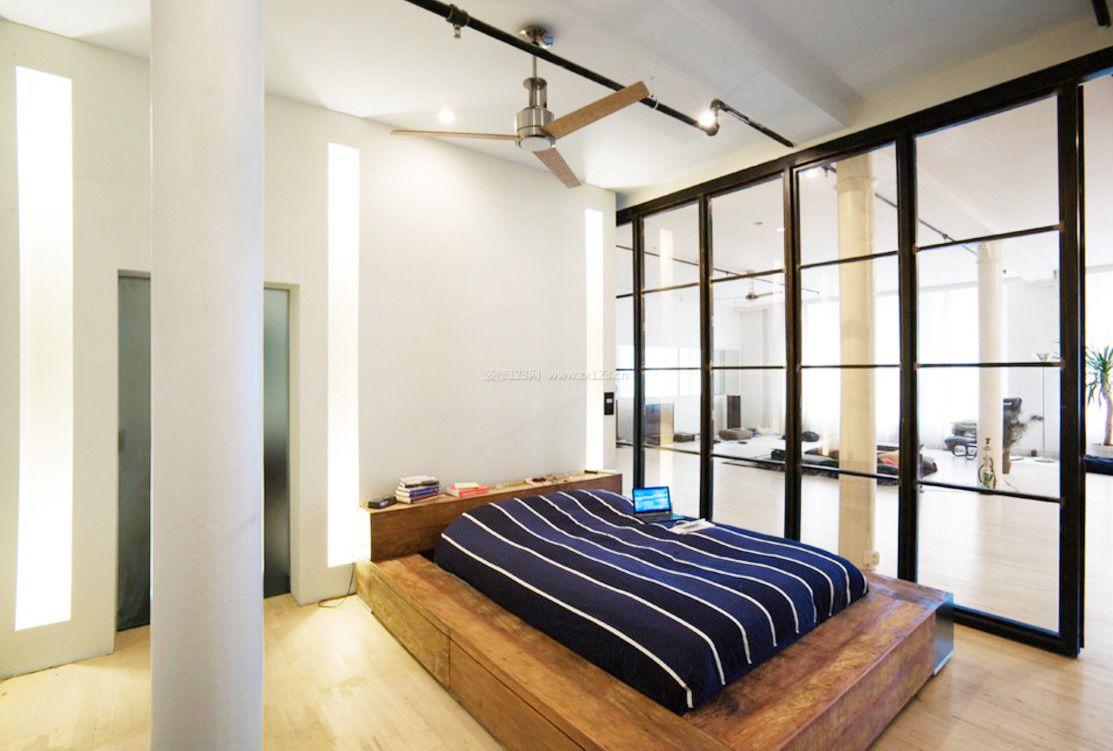 男生卧室地台床装修设计效果图