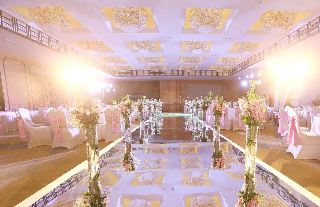 酒店婚庆吊顶布置装修现场效果图片