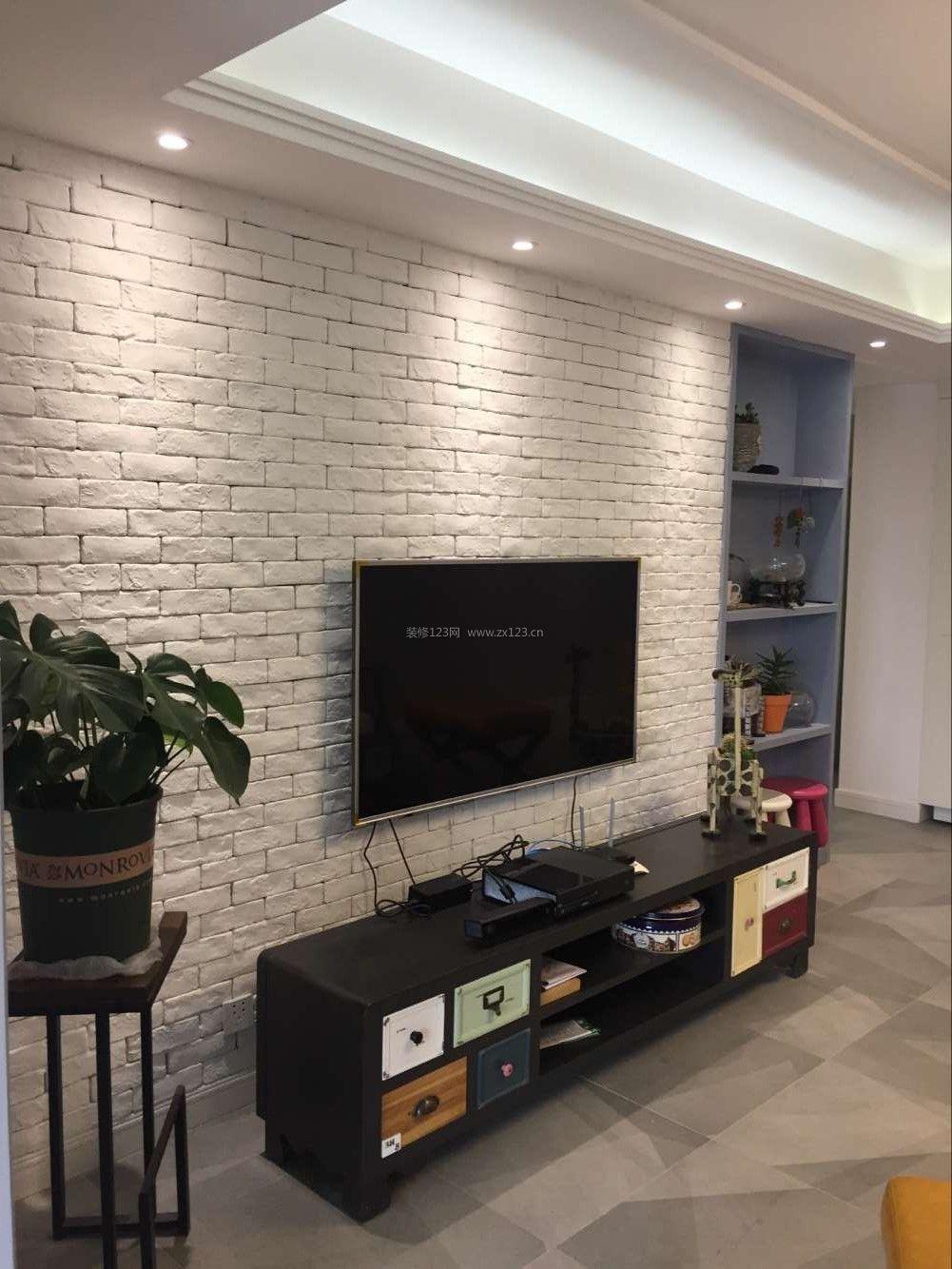 现代美式客厅电视背景墙设计装修效果图片