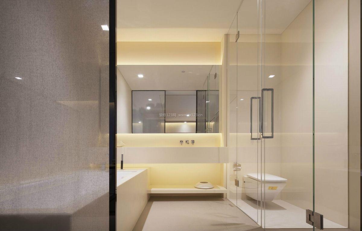 简约中式风格带浴缸的卫生间装修效果图片图片
