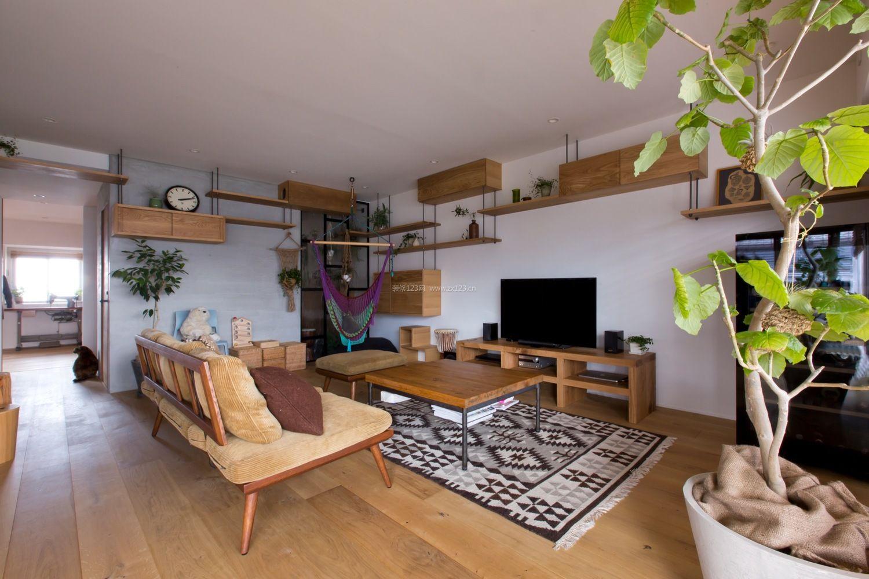 公寓式住宅浅色木地板装修图