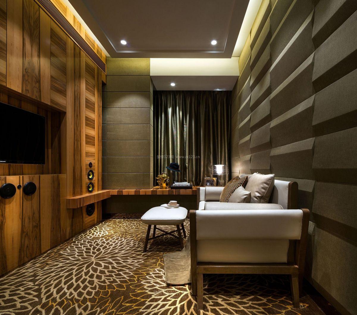 现代小户型客厅木质背景墙装修效果图片