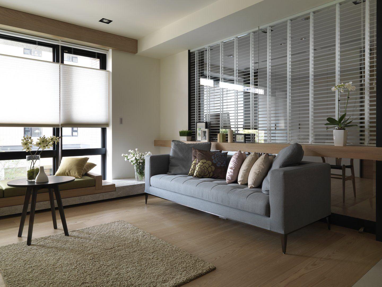 大方质感现代简约客厅浅黄色木地板装修效果图片