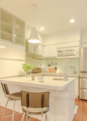 三室一廳房子裝修圖片 半開放式廚房裝修效果圖