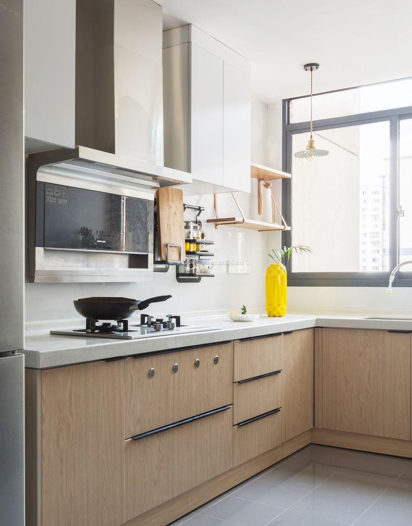 两室一厅房子厨房橱柜装修效果图片