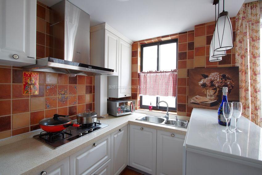 美式田园风格厨房白色橱柜装修效果图片图片
