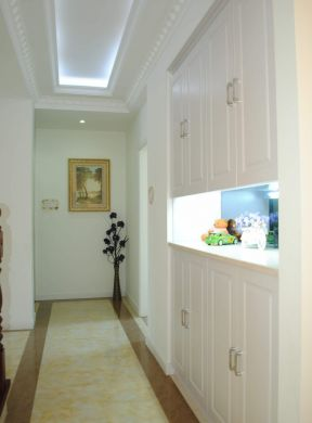 客厅进门鞋柜装修效果图 整体鞋柜