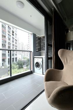 2017現代家庭客廳陽臺洗衣機組合柜設計裝修效果圖